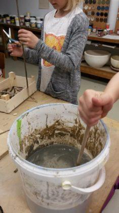 Vorbereitungen für den Bau von Insektenhotels