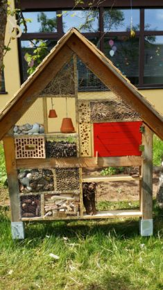 Insektenhotel – fast fertig
