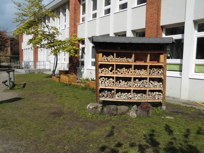 Unser Insektenhotel vorher