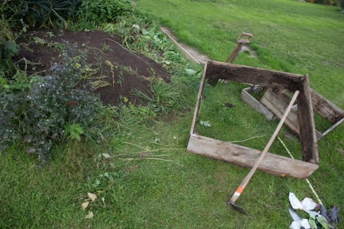 Kartoffelpyramide nach der Ernte